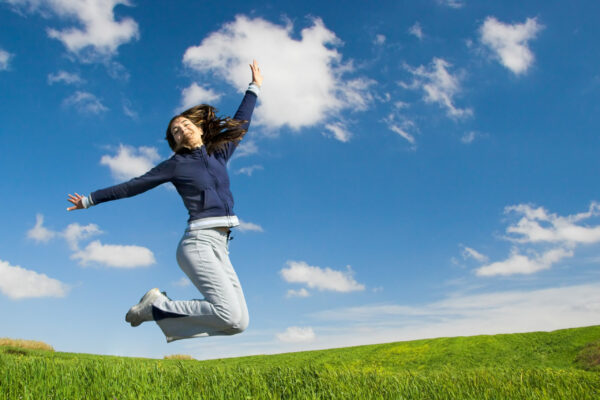 Gesundheit Fitness Natur springende Frau